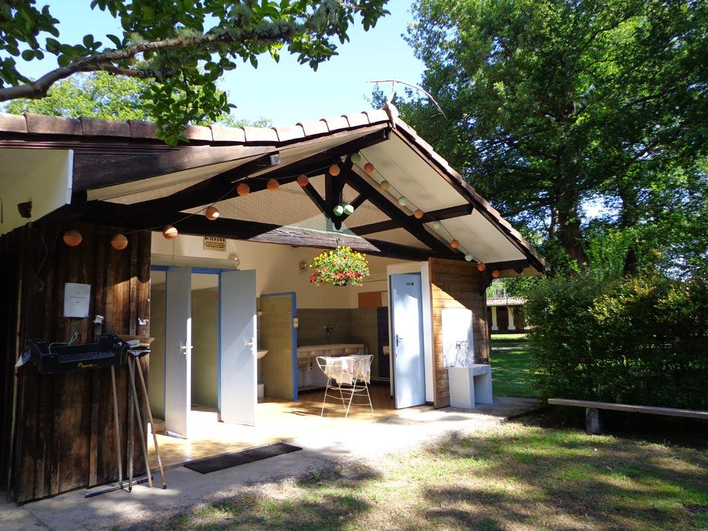 G tes de france campings mobil homes mont de marsan for Toro piscine labat