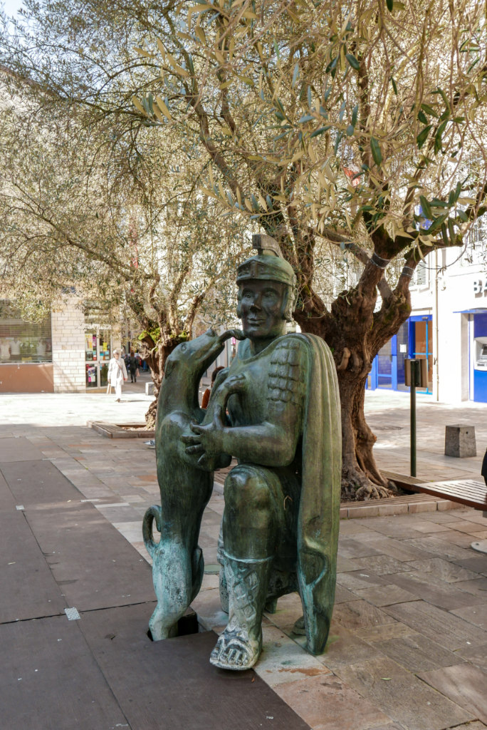 Statue dax